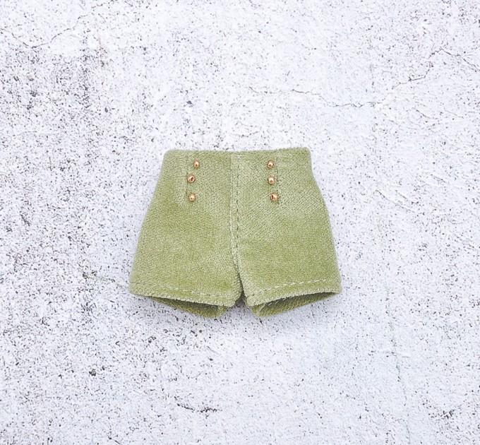 Green doll shorts