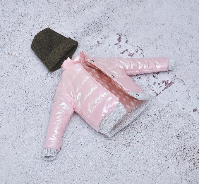 Barbie pink coat, khaki hat
