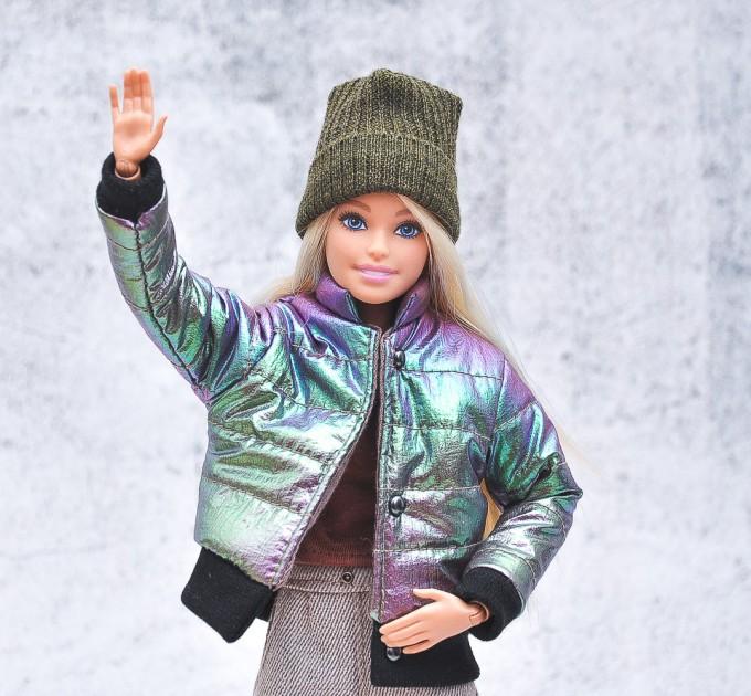 Barbie chameleon coat, khaki hat, blouse, sand jeans